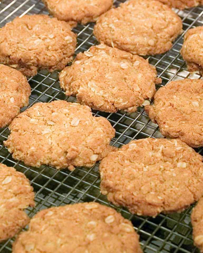 anzac-biscuit-recipe-organic-lifestyle-blog