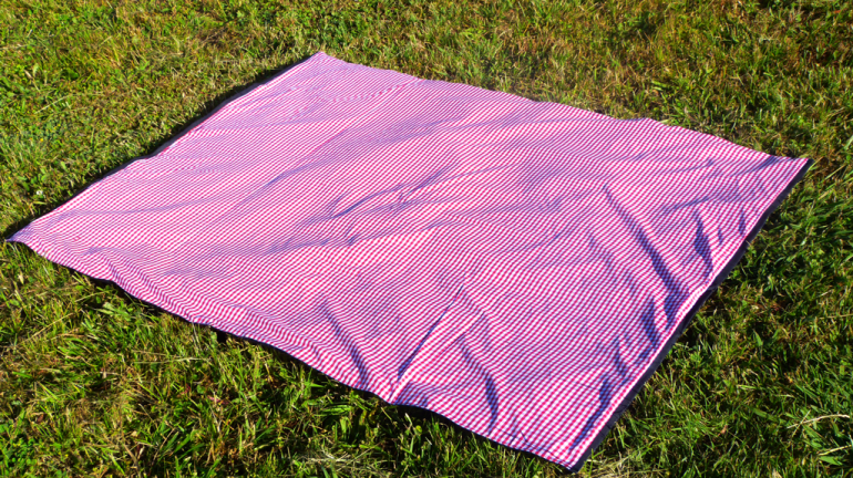 camp-baby-central-park-picnic-blanket